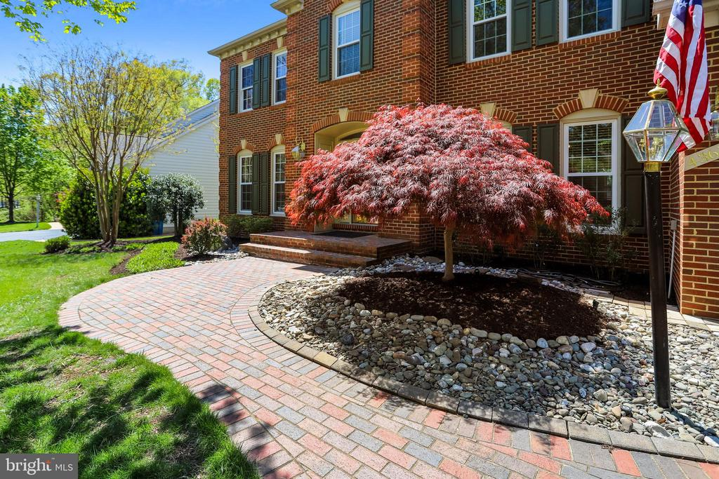 Brick Walkway, Covered Front Stoop - 43690 MINK MEADOWS ST, CHANTILLY