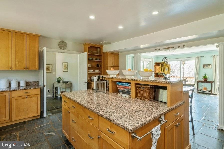 Kitchen opens to living room - 39895 THOMAS MILL RD, LEESBURG