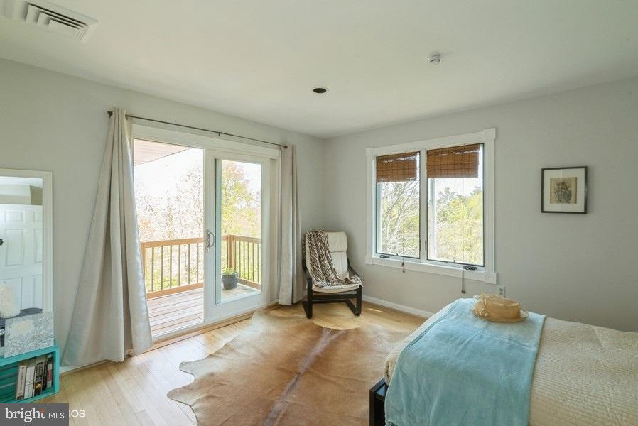 Bedroom 2 with balcony - 39895 THOMAS MILL RD, LEESBURG