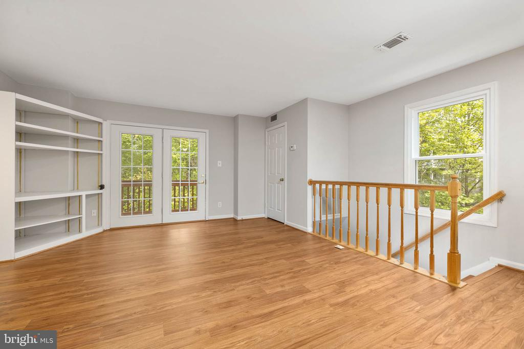 entrance wo large deck off Family room - 12522 KEMPSTON LN, WOODBRIDGE