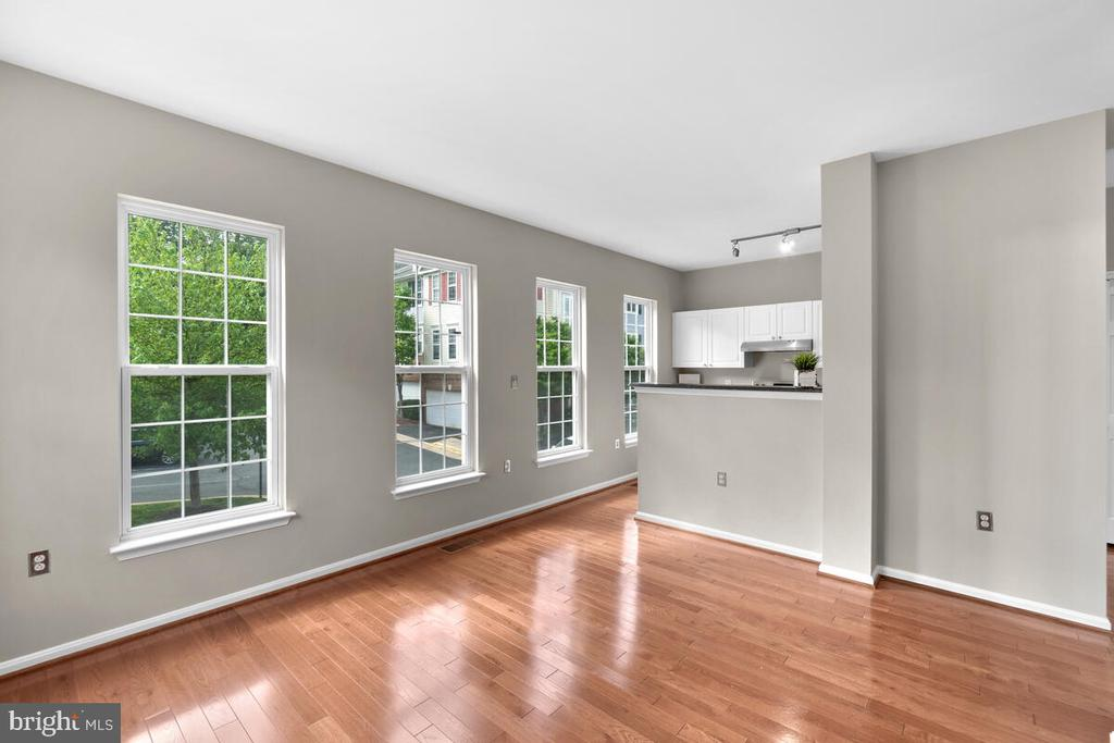 Beautiful Hardwoods - 8050 NICOSH CIRCLE LN #42, FALLS CHURCH