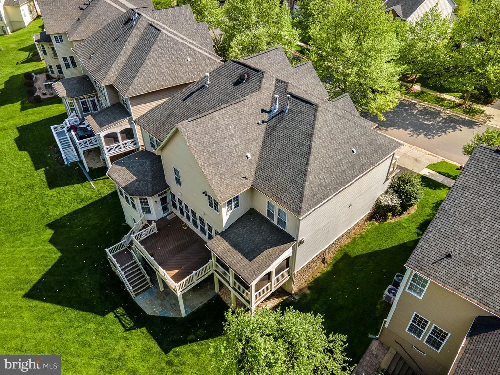 Location, location, location...this home is a 10 - 43768 RIVERPOINT DR, LEESBURG