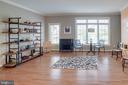 Bright and open concept floor plan! - 24960 ASHGARTEN DR, CHANTILLY