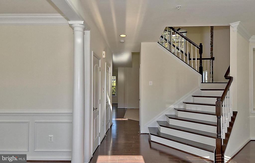 Two Story Entry - 530 WATERSVILLE RD, MOUNT AIRY