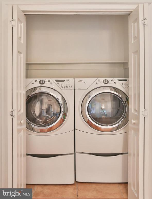 Main Level Laundry w/ Front Loading Washer & Dryer - 7215 TANAGER ST, SPRINGFIELD