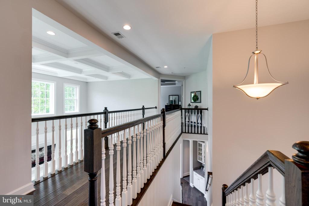 Notice the coffered ceiling in the family room - 2094 TWIN SIX LN, DUMFRIES