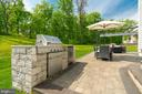 Large patio w/built-in grill & tree-lined view - 2094 TWIN SIX LN, DUMFRIES