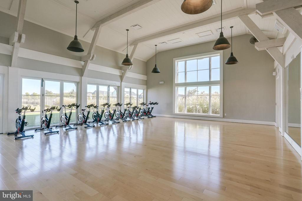 Fitness Barn Movement Studio: Spin, Zumba, Classes - 2094 TWIN SIX LN, DUMFRIES