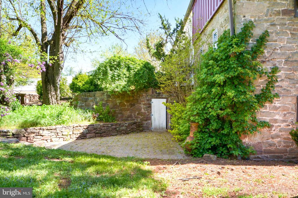 Stunning Stone Structure - 11024 OLD FREDERICK RD, THURMONT