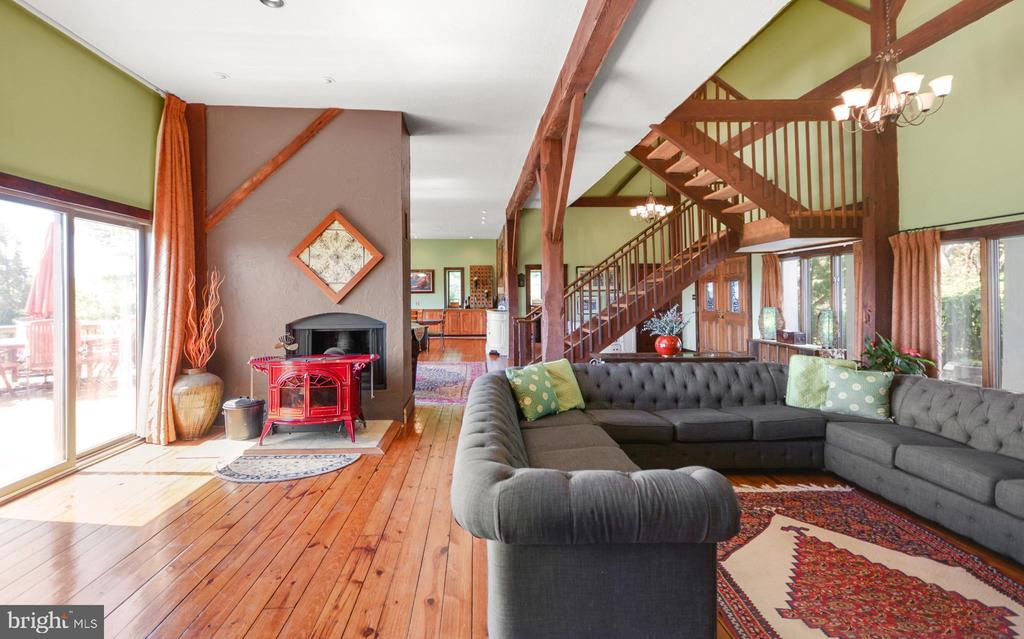 Open Family Room - 11024 OLD FREDERICK RD, THURMONT