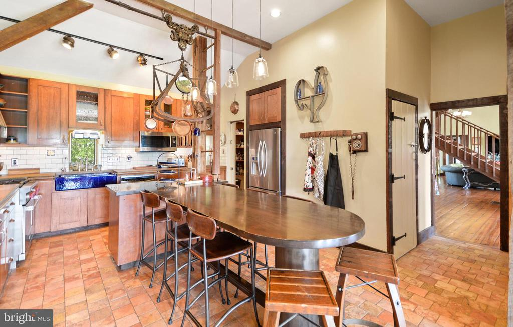 Large Open Kitchen - 11024 OLD FREDERICK RD, THURMONT