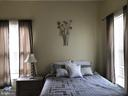 Queen sized bed fits easily in 1 bed apt. - 310 AMHERST ST, WINCHESTER