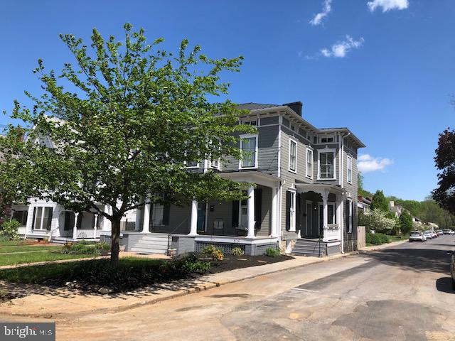 Corner Lot with city sidewalks in Historic Area. - 310 AMHERST ST, WINCHESTER
