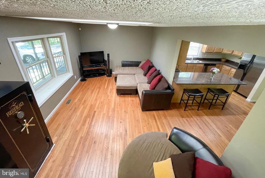Living room into the Kitchen area - 1501 BROOKE RD, STAFFORD
