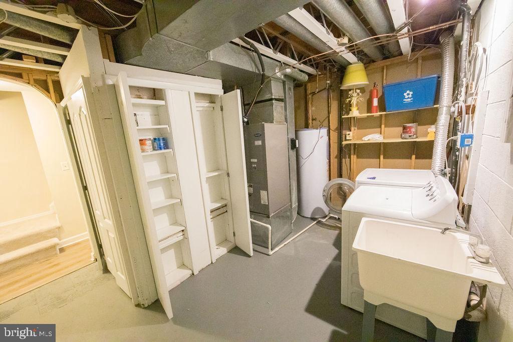 Laundry Room - 5605 STILLWATER CT, BURKE
