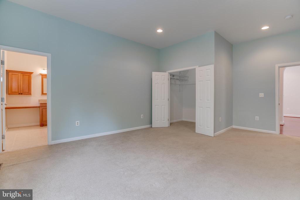 Bedroom main level 2 - 916 N CLEVELAND ST, ARLINGTON