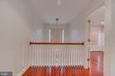 2 Floor Foyer - 916 N CLEVELAND ST, ARLINGTON