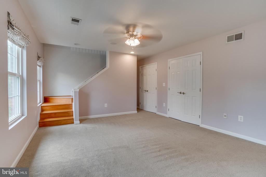 bedroom#4 connecting to Loft - 916 N CLEVELAND ST, ARLINGTON