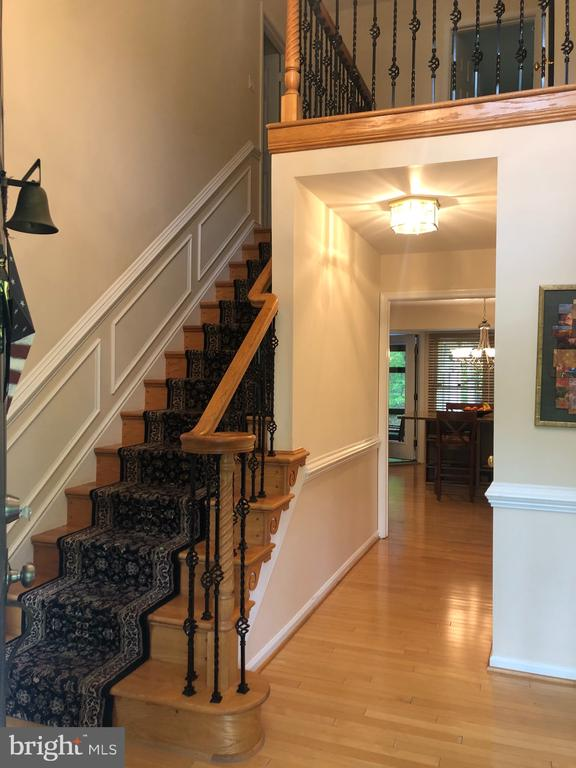Stairs to upper level - 6166 POHICK STATION DR, FAIRFAX STATION