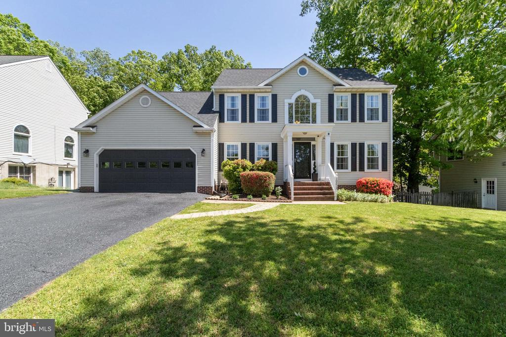 Welcome to your Pristine New Home! - 10213 N HAMPTON LN, FREDERICKSBURG