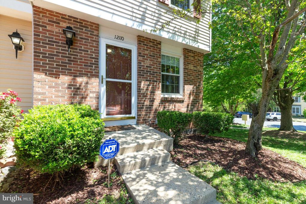 Welcome to your new home! - 12110 PURPLE SAGE CT, RESTON