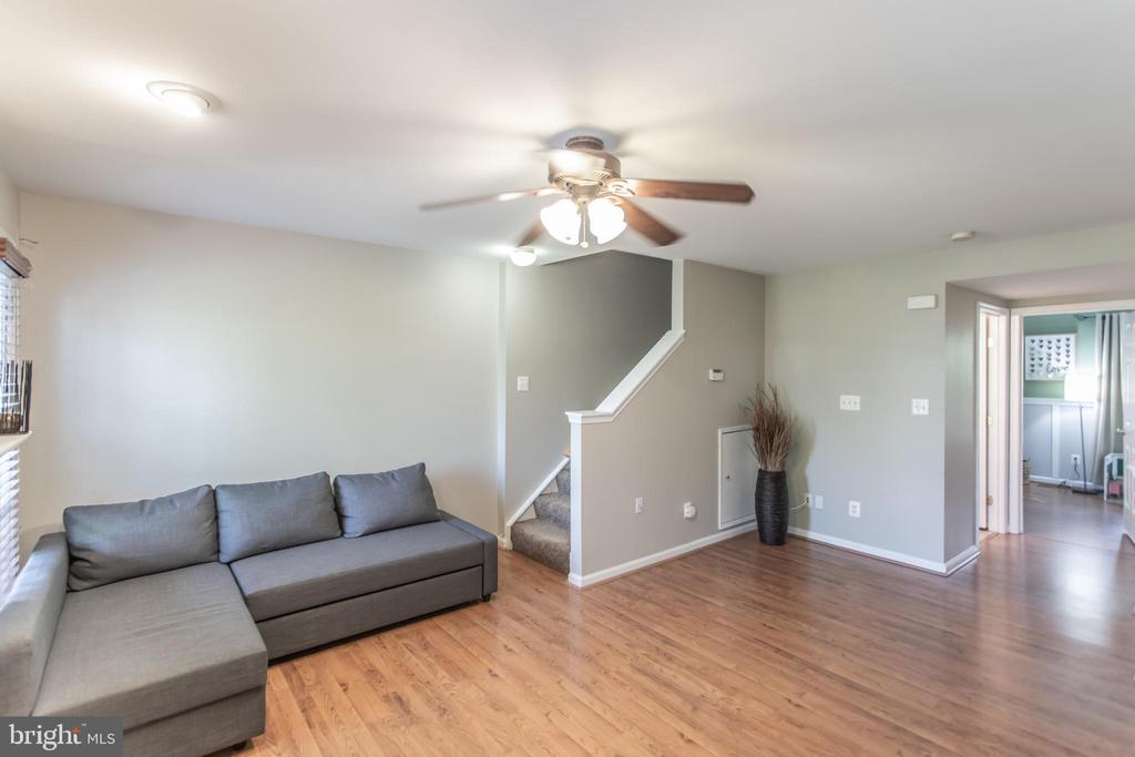 Second Level Family Room! - 9818 MAITLAND LOOP, BRISTOW
