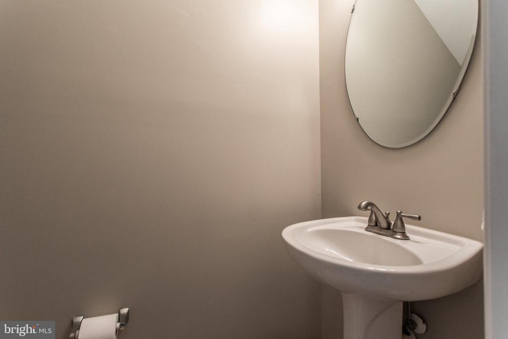 Half bath on main level. - 9818 MAITLAND LOOP, BRISTOW