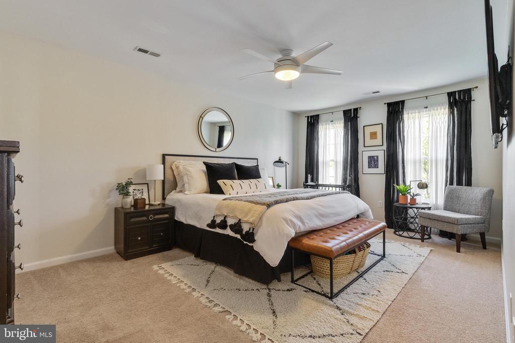 Master Bedroom - 10213 N HAMPTON LN, FREDERICKSBURG