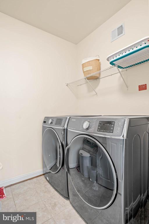 Upper level laundry - 20585 STONE FOX CT, LEESBURG