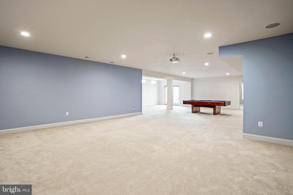 Ample storage area on lower level - 20585 STONE FOX CT, LEESBURG