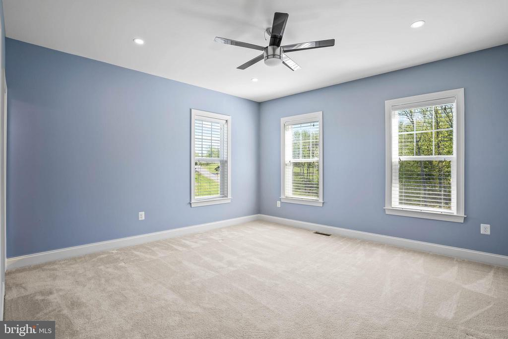 Fourth bedroom on upper level - 20585 STONE FOX CT, LEESBURG