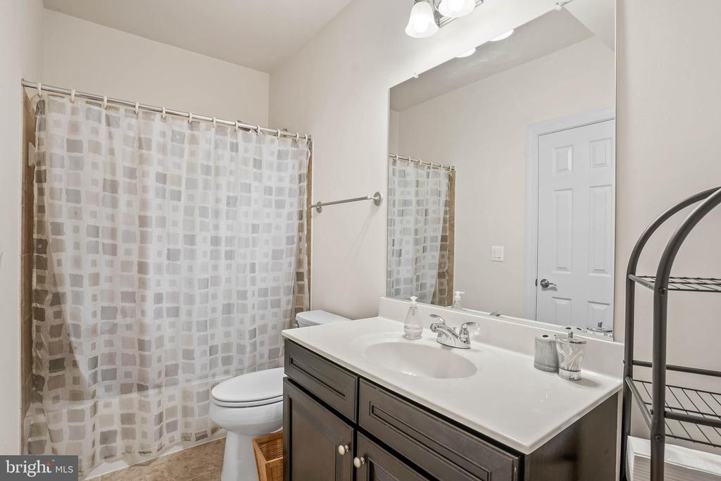 Fifth full bathroom on lower level - 20585 STONE FOX CT, LEESBURG