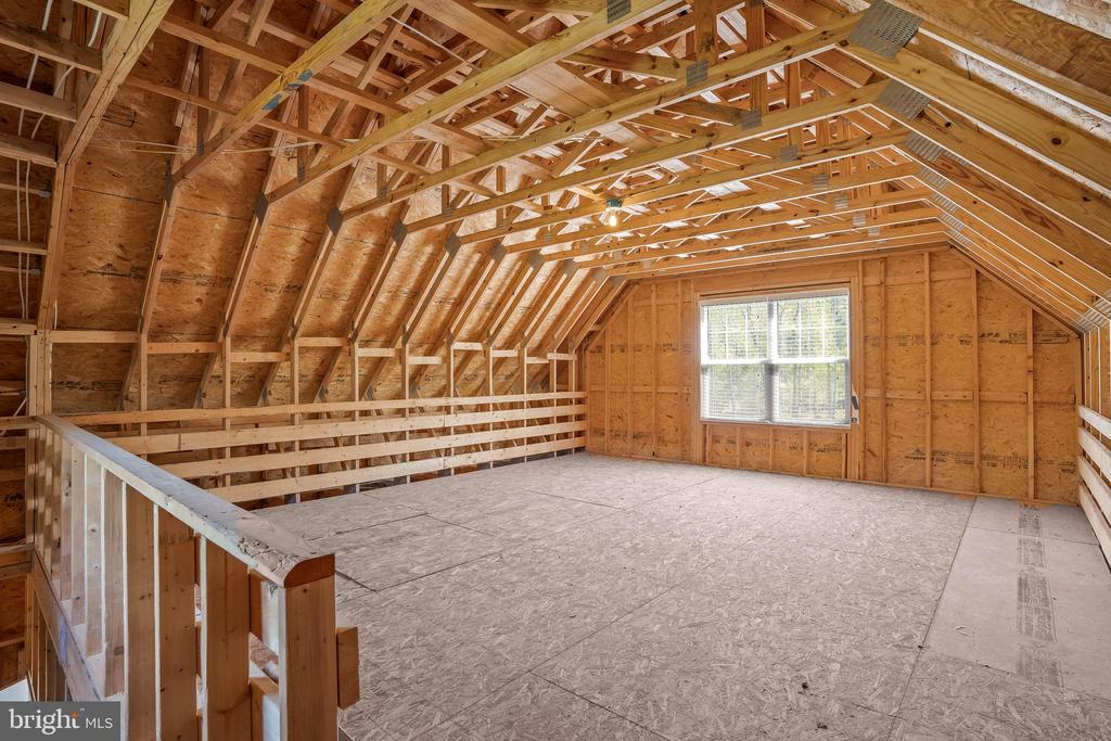 Living area on upper level of detached garage - 20585 STONE FOX CT, LEESBURG