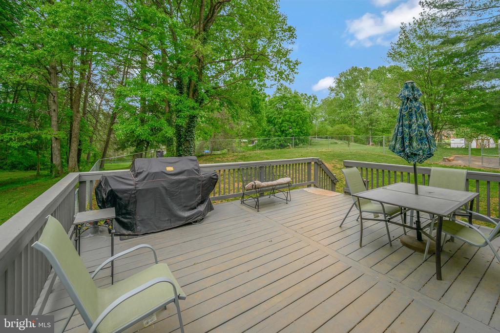 Nice deck from dining room - 105 FENCE POST RD, STAFFORD