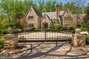 Gated Front Exterior - 6622 MALTA LN, MCLEAN