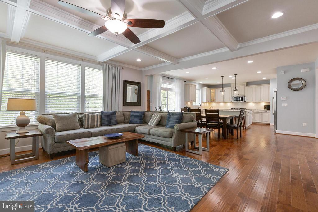Upgrades Galore throughout  this home! - 15080 ADDISON LN, WOODBRIDGE