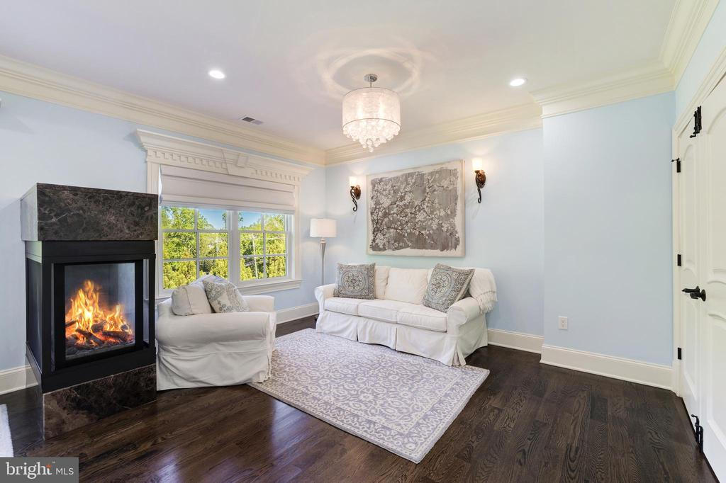 Owner's Suite Sitting Room - 3-sided Fireplace - 957 MACKALL FARMS LN, MCLEAN