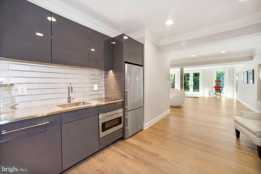 Kitchenette - 7301 DULANY DR, MCLEAN