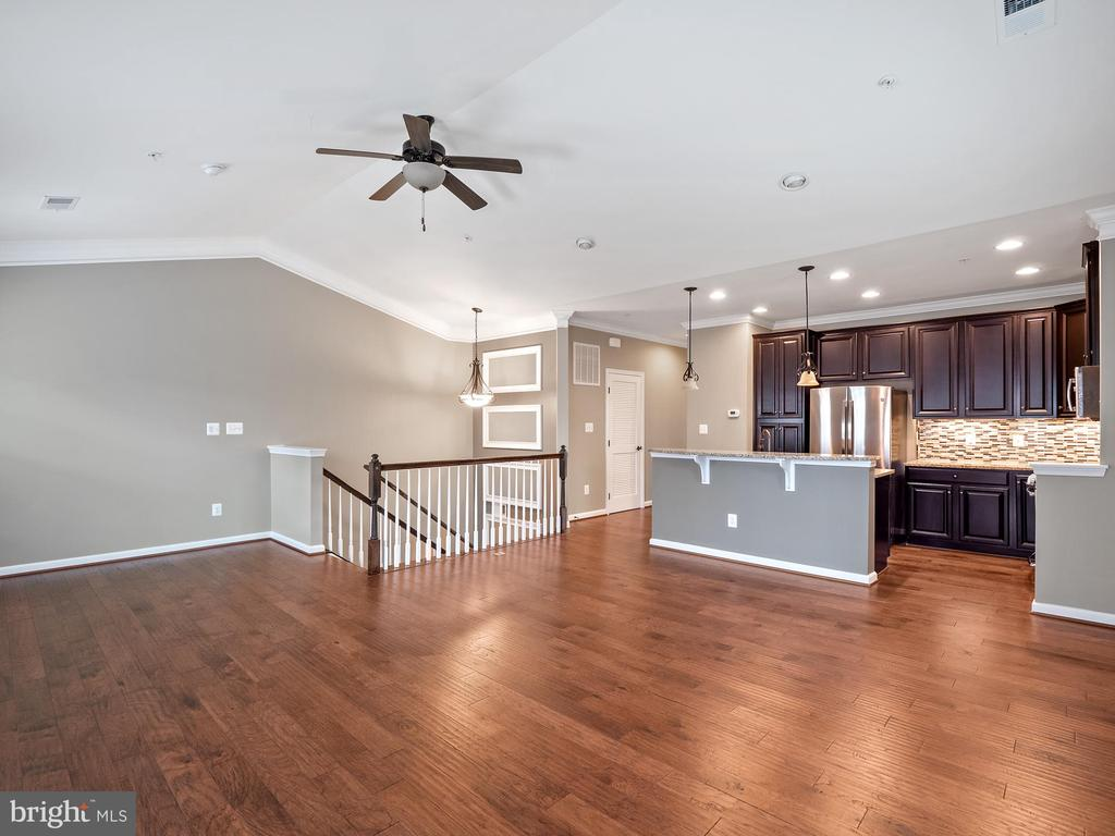 - 24670 FOOTED RIDGE TER, STERLING