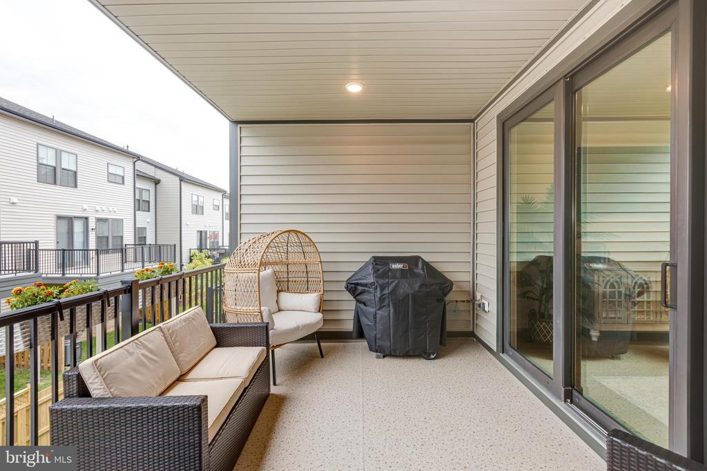 Porch includes gas line for grill - 42280 IMPERVIOUS TER, BRAMBLETON