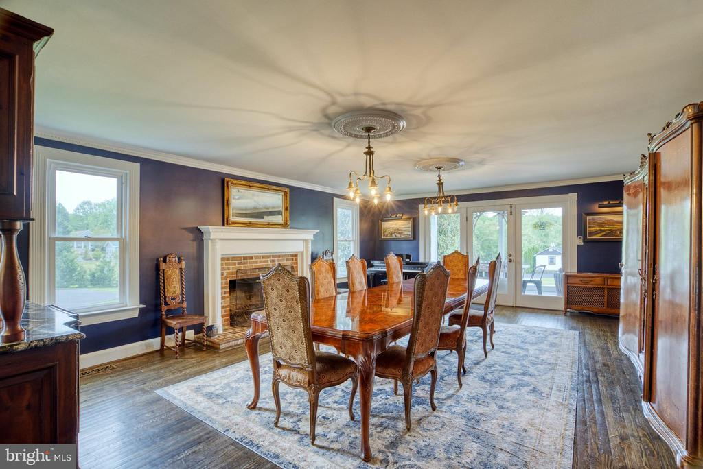 Dining room w/FP, access to covered back porch - 7500 CLIFTON RD, CLIFTON
