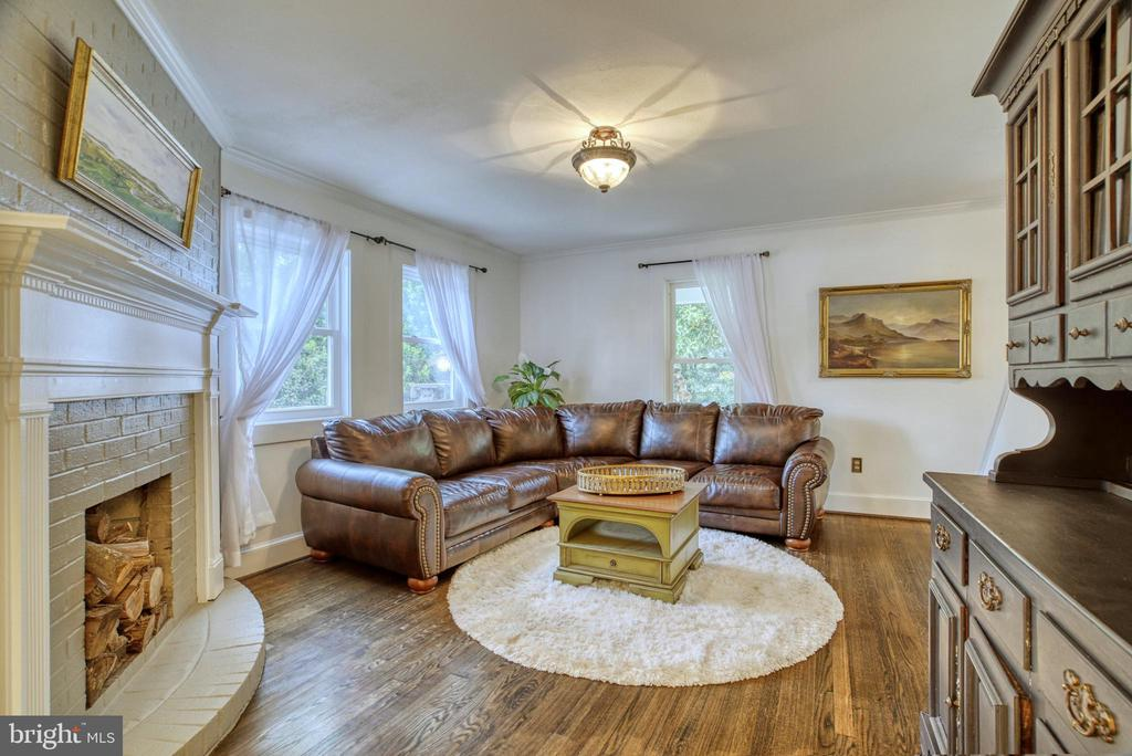 Living Room - 7500 CLIFTON RD, CLIFTON