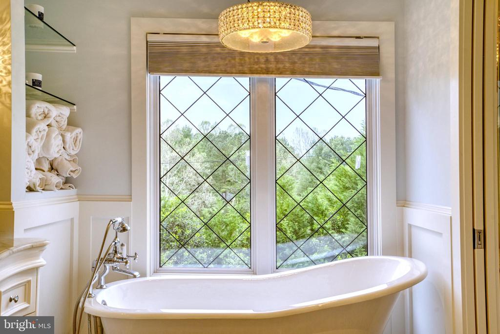 Stand-alone claw-foot soaking tub. What a view! - 7500 CLIFTON RD, CLIFTON