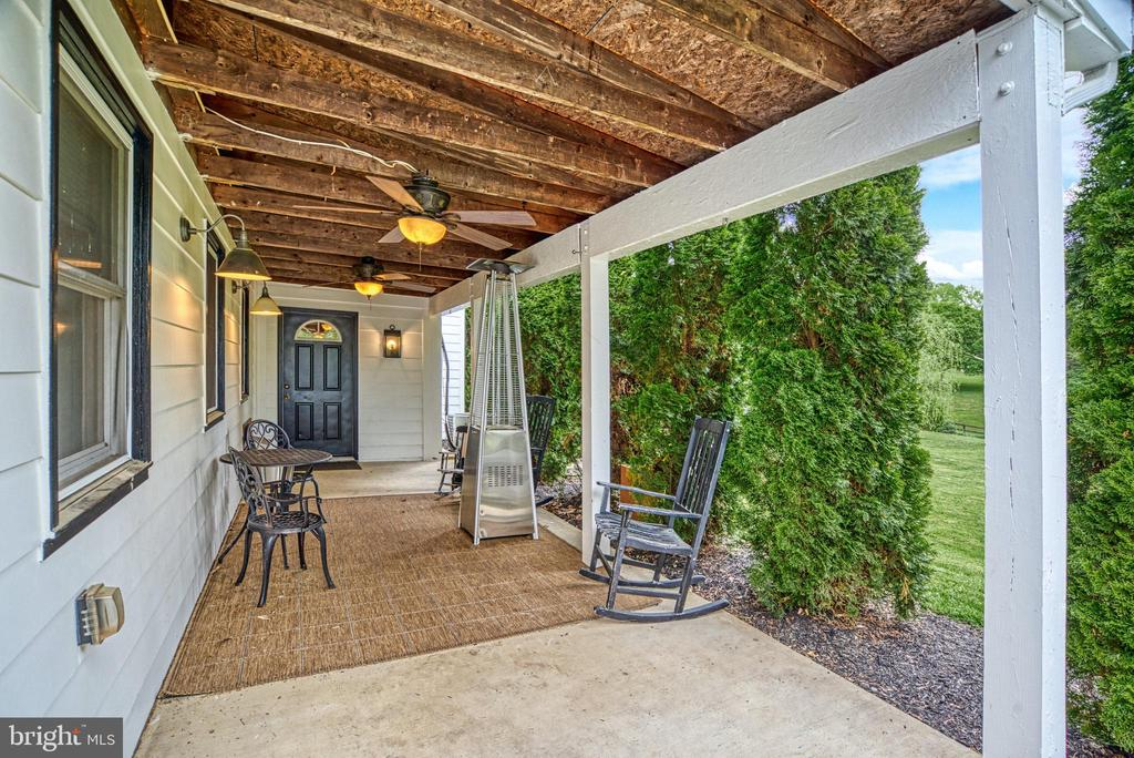 Covered porch for 2 BR/1 Bath Guest Apartment - 7500 CLIFTON RD, CLIFTON