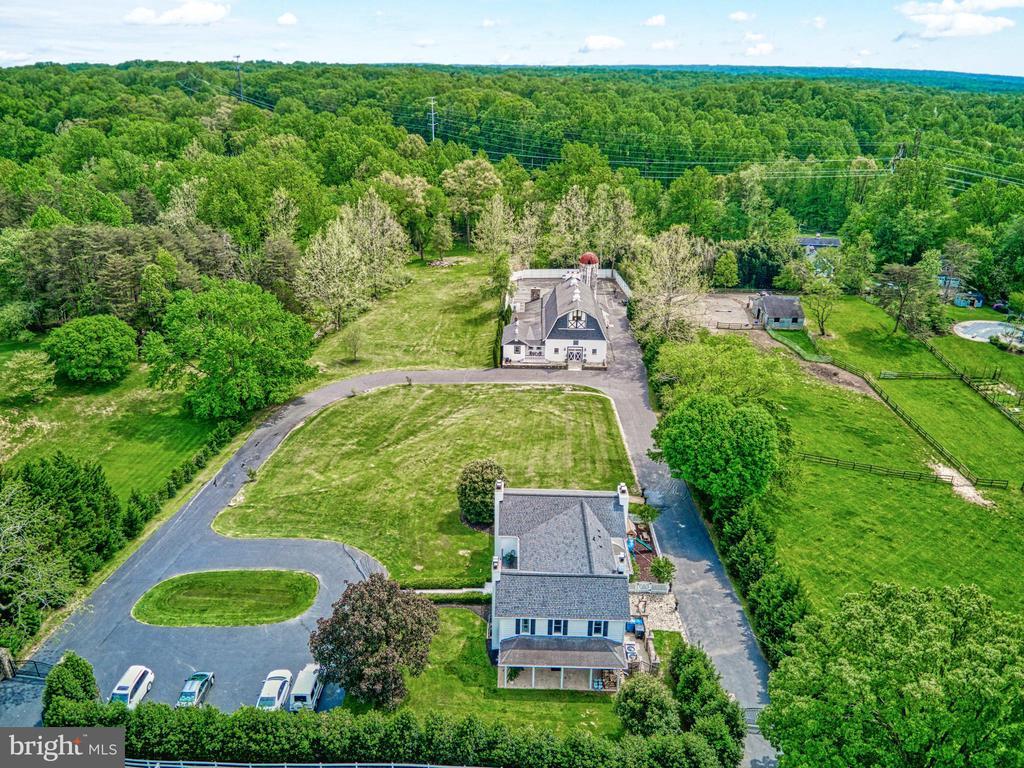 3.45 acre estate complete - 7500 CLIFTON RD, CLIFTON