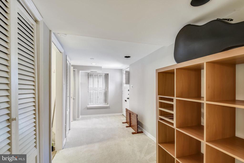 Can easily add 3rd bedroom in this space! - 3270 S UTAH ST, ARLINGTON