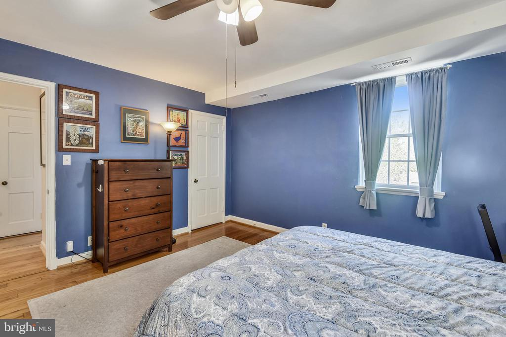 Two closets - tons of storage space! - 3270 S UTAH ST, ARLINGTON