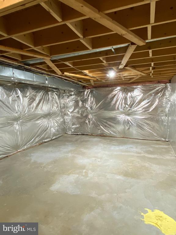 Additional storage or can finish into media room? - 21606 GOODWIN CT, BROADLANDS