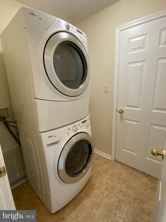 Laundry - 21606 GOODWIN CT, BROADLANDS