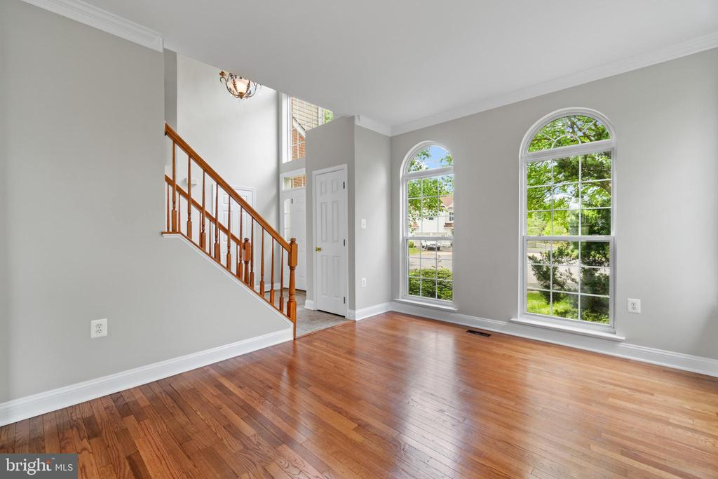 Living Room - 106 HAVERSACK CT NE, LEESBURG